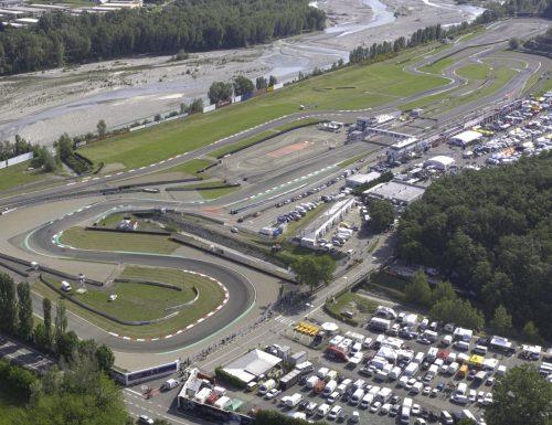 Il secondo round dei Trofei MP Dynasty Exhaust Motoestate andrà in scena questo weekend sul circuito di Varano de' Melegari. Ricco il programma di gara, che in questa occasione vedrà scendere in pista per la doppia gara le categorie 125, Moto4, Supermono e Bdb.