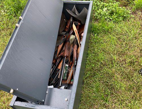 I Carabinieri della Stazione di Mede (Pavia ) rinvengono una dozzina di fucili da caccia rubati nell'Alessandrino