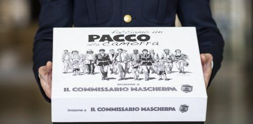 """""""Facciamo un pacco alla Camorra"""" con il Commissario Mascherpa"""
